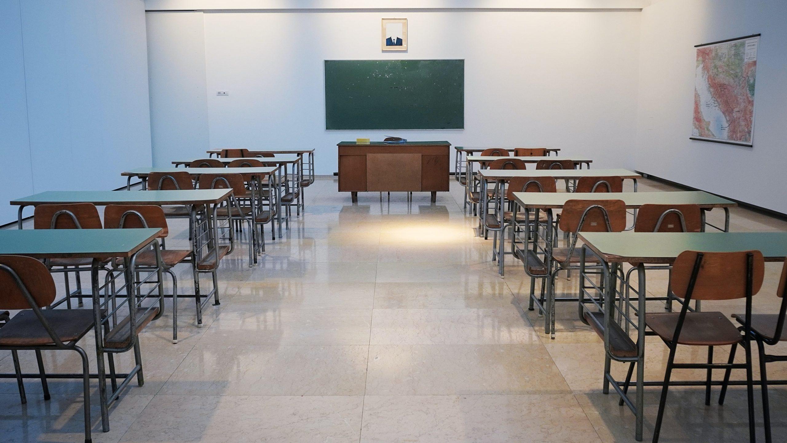 麻生太郎の学歴(高校・大学)は?英語が流暢な理由は2回の留学!
